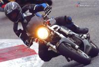 In pista a Vallelunga, sull'agile Suzuki SV650